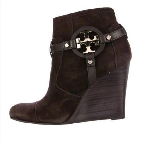 08fa554e15c8c Tory Burch Chocolate Suede Wedge Ankle Boots. M 5b9546413c984455bcb42187